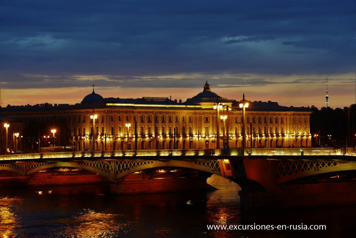 Night Tour in Saint Petersburg